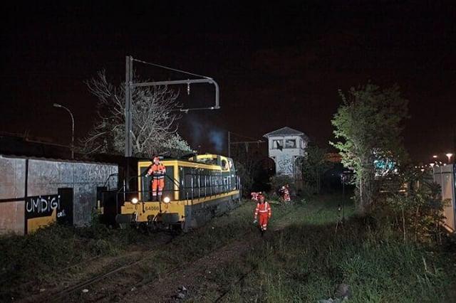 Circulation exceptionnelle d'un train sur la Petite Ceinture à Bercy-Charenton
