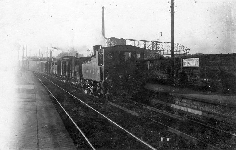 train_de_marchandises_a_est-ceinture_-_locomotive_040t_no2_1024px_100dpi