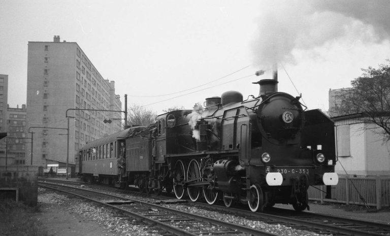 Train spécial de l'IFC le 9 novembre 1974. Photo par Jacques-Henri Renaud