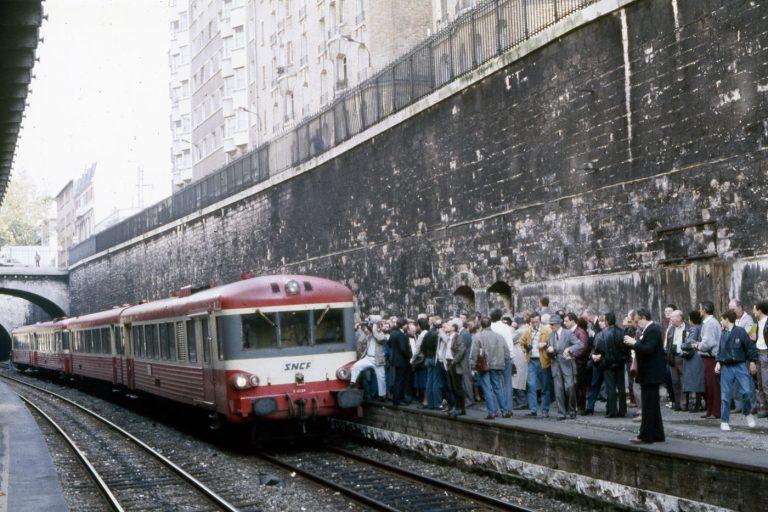 Train-COPEF---Avenue-de-Saint-Ouen---autorail---Cliché-Sylvain-Zalkind-1