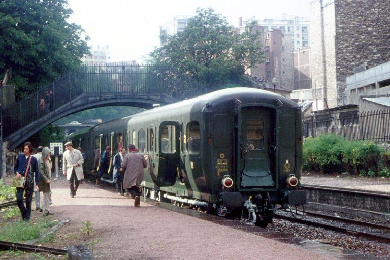 Train de la FACS à la gare de Ménilmontant, le 10 juin 1972. Cliché : S. Zalkind