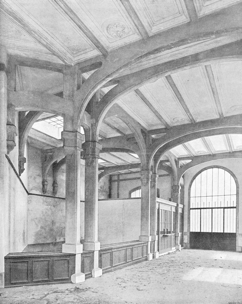 Intérieur-bâtiment-voyageurs gare rue Claude Decaen Petite Ceinture