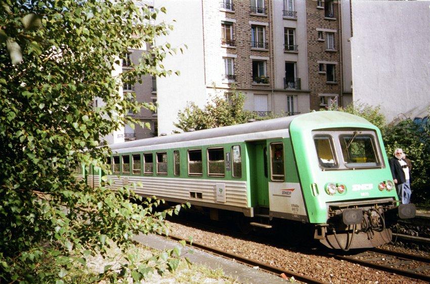 Train de découverte ASPCRF Petite Ceinture gare rue Claude Decaen