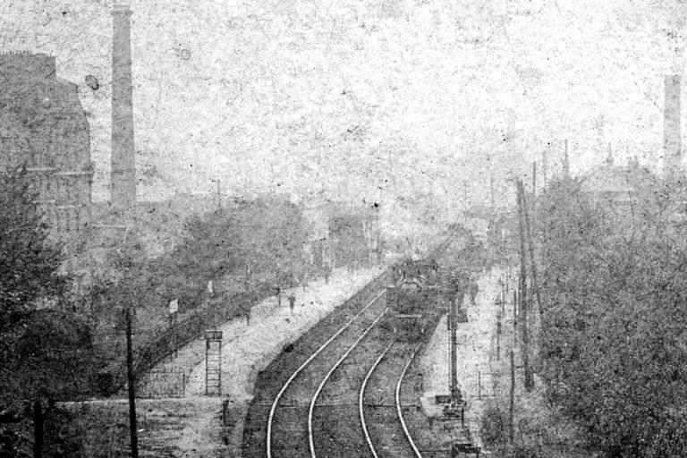Gare-Vaugirard-vue-générale-depuis-la-rue-Olivier-de-Serres-vers-1908_vue-rapprochée_1200dpi